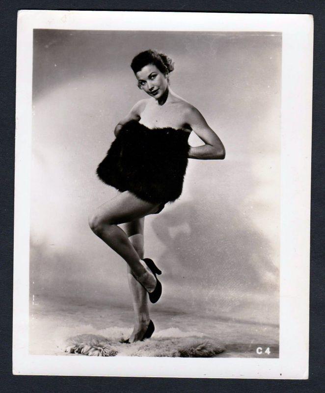 1950 Unterwäsche Pelz lingerie Erotik nude vintage Dessous pin up Foto photo