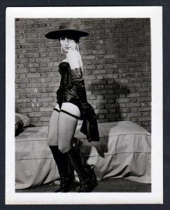 Unterwäsche lingerie Erotik nude Hut vintage Dessous pin up Foto photo