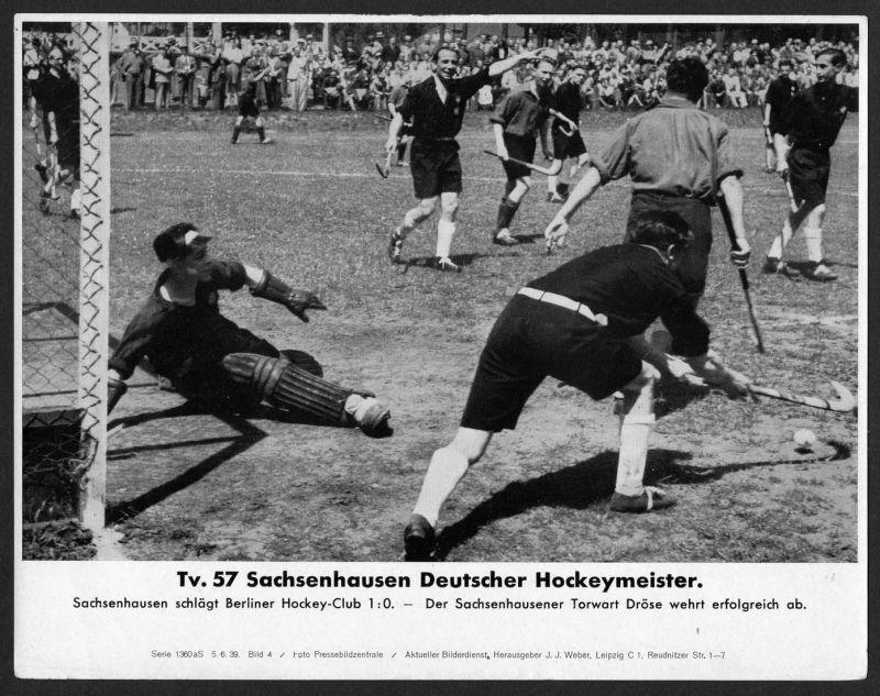Tv. 57 Sachsenhausen Deutscher Hockeymeister - Pressefoto Aktueller Bilderdienst Serie 1360 aS - Bild 4