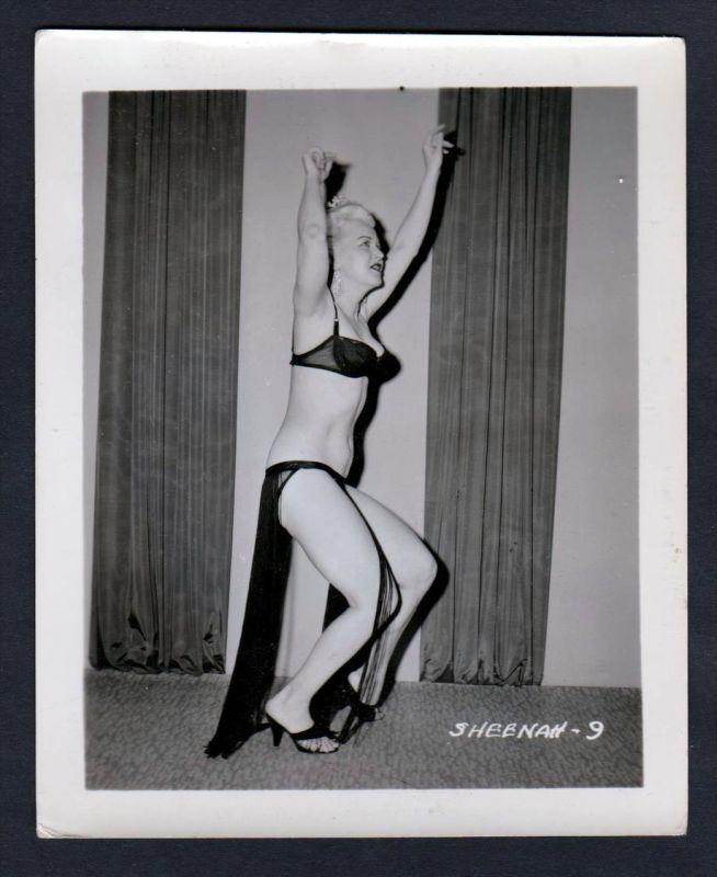 Unterwäsche lingerie Erotik nude vintage Dessous dance pin up Foto photo