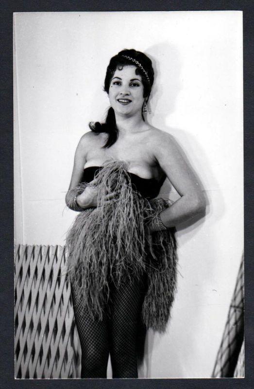 Unterwäsche Bast lingerie Erotik nude vintage Dessous pin up Foto photo
