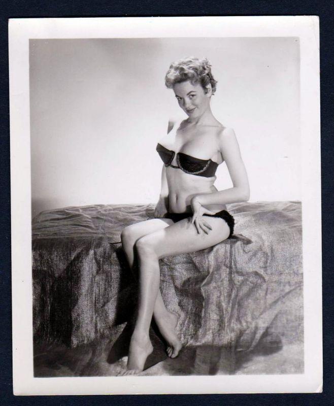 Unterwäsche lingerie frech Erotik nude vintage Dessous pin up Foto photo