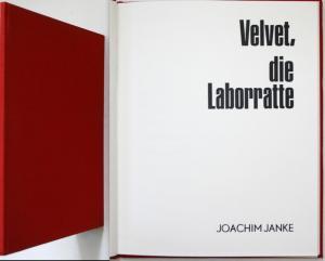 Velvet, die Laborratte.