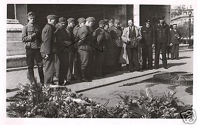 Originalfoto 9x13cm, Paris, Soldaten am Grab d. unbekannten Soldaten,1942
