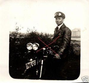 Originalfoto 9x9cm, Oldtimer-Motorrad Kennung, Doppelscheinwerfer