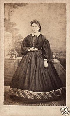 CDV 6x10cm feine Dame, Mode,ca. 1865