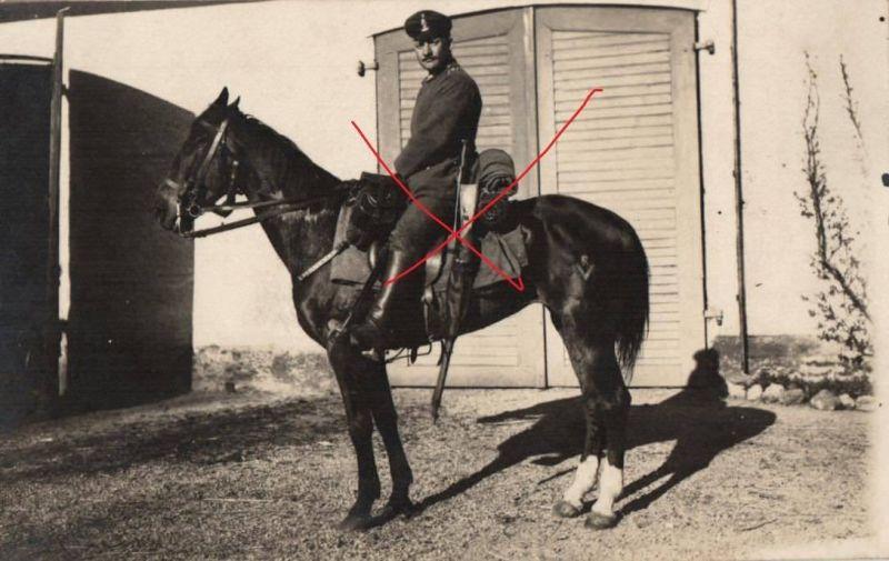 Originalfoto 9x13cm, berittener Soldat mit Karabiner