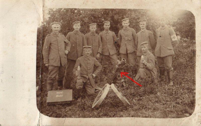 Originalfoto 9x13, Soldaten mit Granatwerfer, ca. 1917