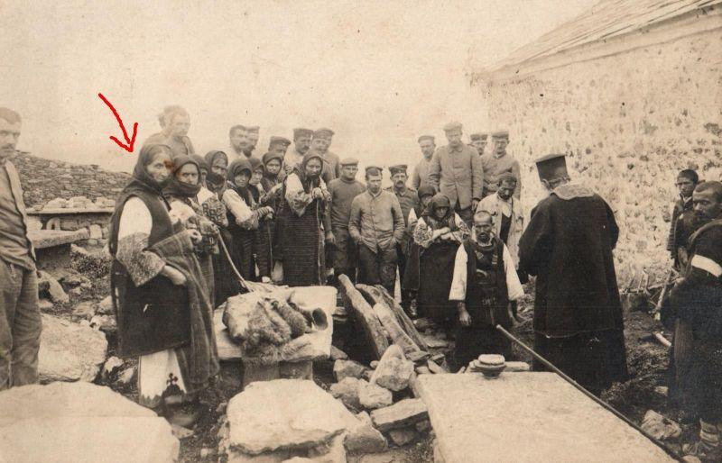 Originalfoto 9x13, Soldaten, Sinti+Roma, Beerdigung, Rumänien, ca. 1917 0
