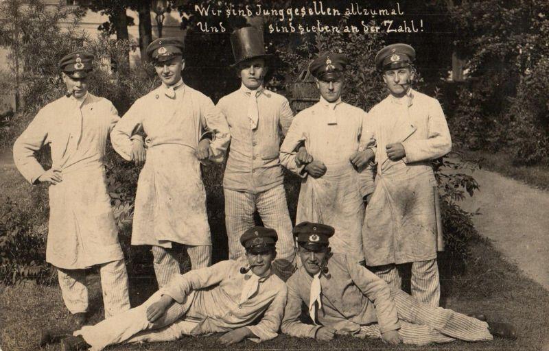 Originalfoto 9x13, Frühe Reichswehr Lazarett Scherzfoto, ca. 1923