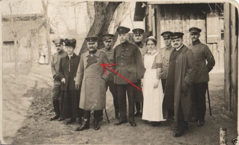 Originalfoto 9x12cm, v. Hänisch Kommandeur X AK besucht Ambulanz, 1918 0