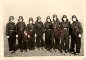 Originalfoto 9x6cm, Brandschutz-Wärterinnen, ca. 1943