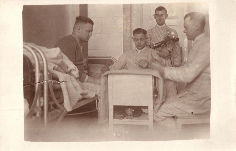 Originalfoto 9x13, Reichswehr Skat im Lazarett, ca. 1928 0