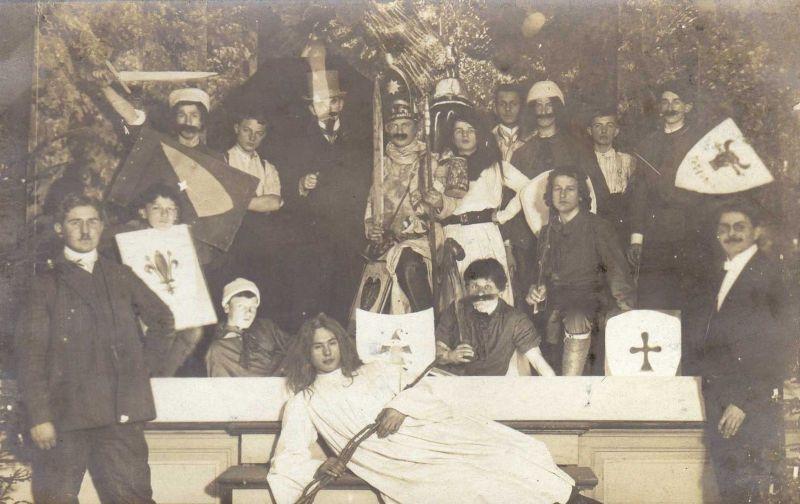 Originalfoto 9x13, Studenten, Bierstaat, ca. 1910