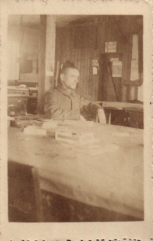 Originalfoto 9x13 Leutnant in Schreibstube, 1918 0