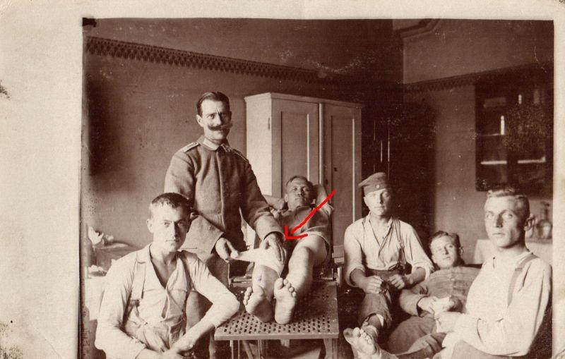Originalfoto 9x13, Lazarett verbinden von Verwundeten, ca. 1916