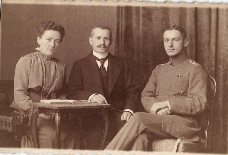 Originalfoto 9x13,  Hamburger Leutnant mit Familie, ca. 1916