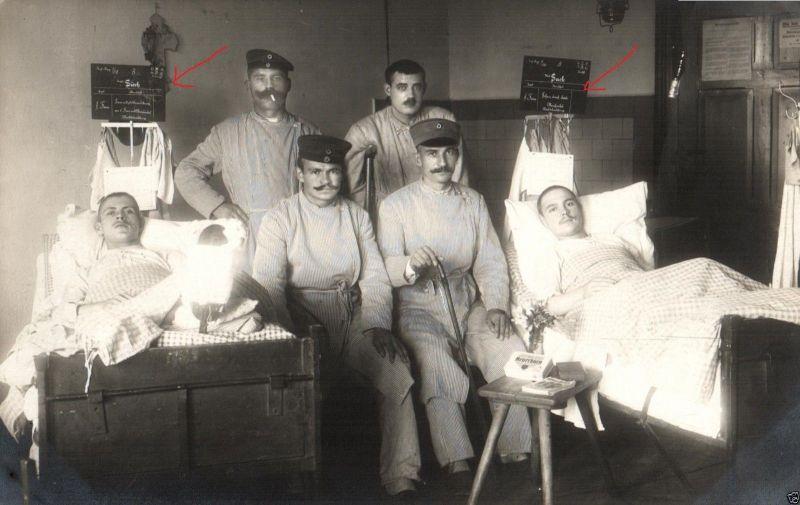 Originalfoto 9x13cm, Verwundete IR 98, Granatsplitter, Krankentafeln