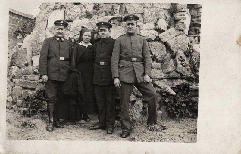 Originalfoto 9x13, Sanitäter,  Rot-Kreuz Schwestern, Flandern Ostern 1918