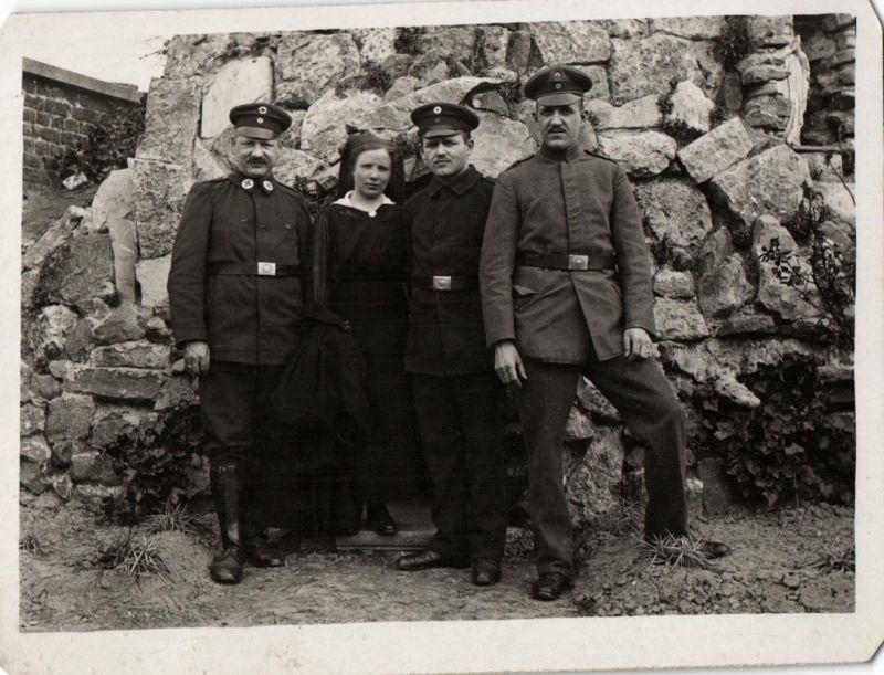 Originalfoto 9x12, Sanitäter, Krankenschwestern,  Flandern Ostern 1918