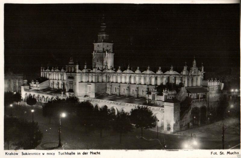 Foto AK, Krakau, Tuchhalle in der Nacht, ca. 1930