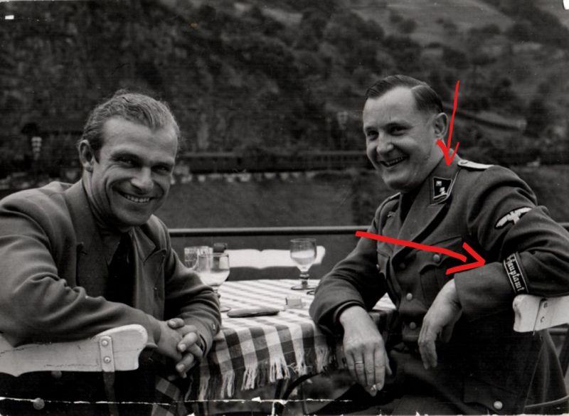Originalfoto 10,5x15cm Polizei Offizier, Ärmelband
