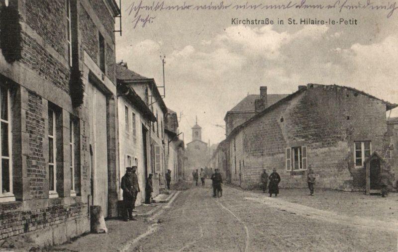 Foto AK, St.-Hilaire Le Petit, Kirchstraße, Stempel Res. Regt.104