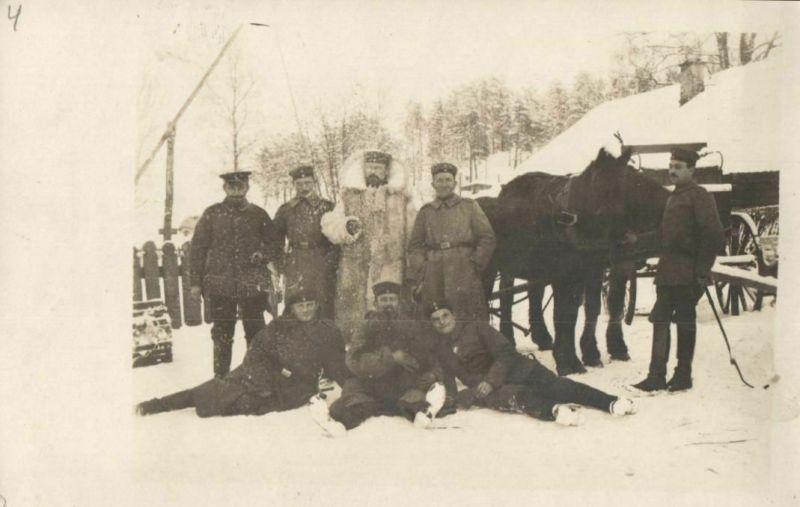 Originalfoto 9x13cm, Soldat im Pelzmantel, verm. Rußland