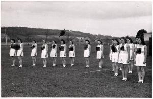 21427/ Originalfoto 9x13cm Weiblicher Reichsarbeitsdienst beim Sport