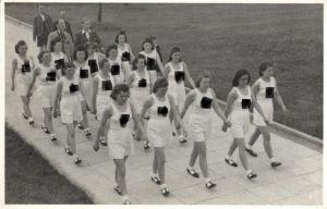 21431/ Originalfoto 9x13cm Weiblicher Reichsarbeitsdienst beim Sport