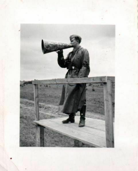 Originalfoto 8x6cm, Deutscher Soldat mit Sprechtüte, Danzig