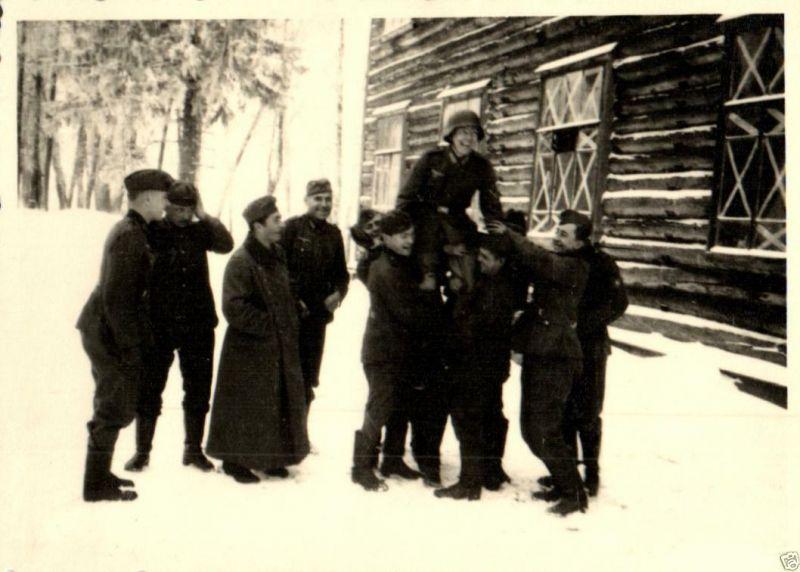 Originalfoto 9x6cm, Deutsche Soldaten in Jeltzy, 1941