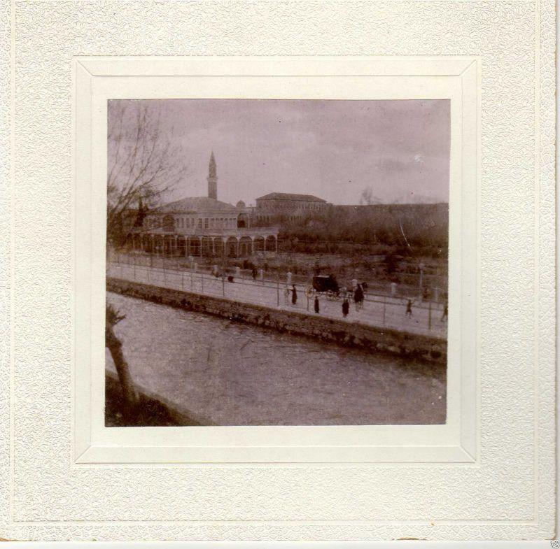 Albuminfoto auf Pappe, Paradafluss in Damaskus, ca. 1900
