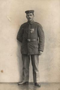 Originalfoto 9x13cm, Soldat mit EK II+ Mecklenburgkreuz
