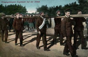 Foto AK, Kriegsgefangene Engländer+Schotten bei der Arbeit, 1916