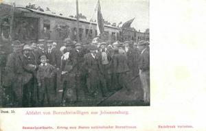 Foto AK, Burenkrieg, Abfahrt von Burenfreiwilligen aus Johannisburg