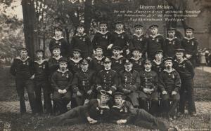 Foto AK, U-9 Weddigen mit Mannschaft