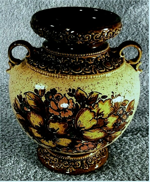 Keramik-Vase mit 2 kleinen Henkeln / Blumenmuster - ca. 19 cm Länge