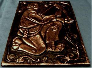 Kupferfolien-Bild mit Struktur - Motiv : Mann beim Schärfen einer Sense -  Größe : ca. 18,5 x 27 cm