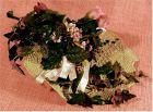 dekorative gemusterte runde Keramikplatte mir Kunstblumen.  Durchmesser ca. 28 cm