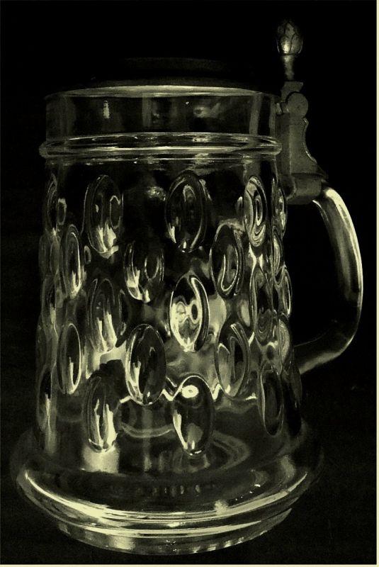 Bierkrug aus Glas - Mit Zinndeckel -   Ca. 0,5 Liter Volumen -