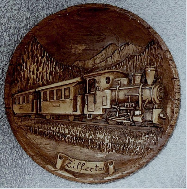 kleiner Andenken-Wandteller -  Aufschrift Zillertal -  Mit Dampflock-Motiv 0