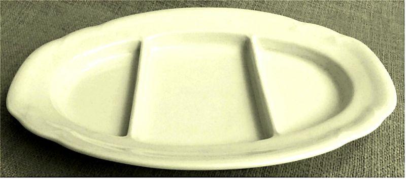 Porzellan-Servierschale oval weiß -   Innen dreigeteilt - ca. 31,5 x 21,5 cm   Von Bauscher / Weiden