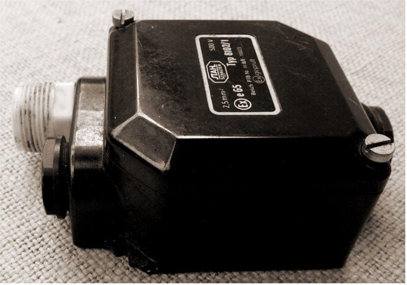 alte Bakelit Abzweigdose Verteilerdose Industrial Starkstrom 500 V 2,5mm²