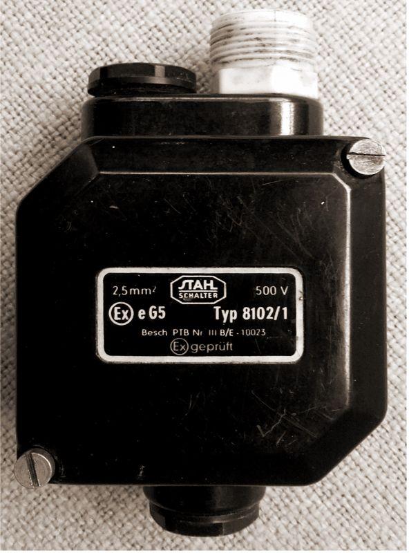 alte Bakelit Abzweigdose Verteilerdose Industrial Starkstrom 500 V 2,5mm²  2
