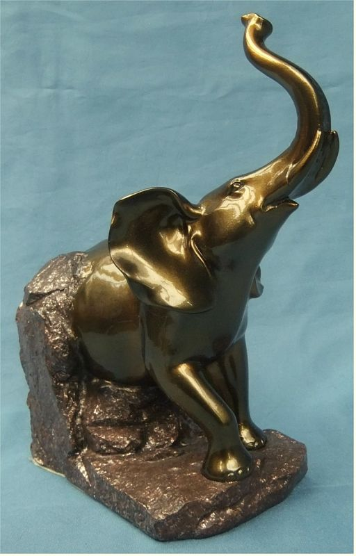 Afrikanischer Elefant aus Hartkunststoff - Im bronze Farbton - ca. 21 cm Höhe