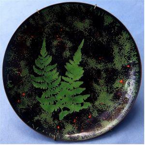 Emaille-Wandteller aus Kupfer - Motiv Moos / Farne - ca. 20 cm Durchmesser
