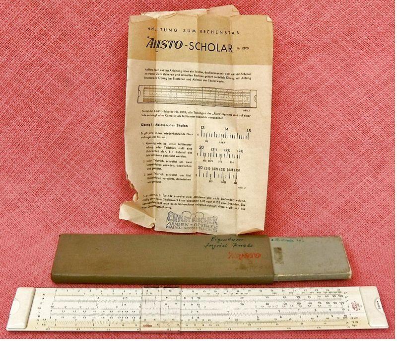 Alter ARISTO Scholar Nr.0903 LL Kunststoff- Rechenstab mit zweiseitiger Skala.