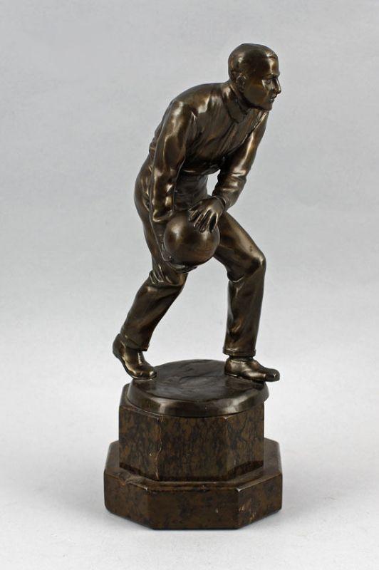 Bronze-Figur Kegler Sport Mitte 20. Jh. 99838031