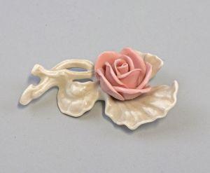 9959343 Porzellan Ens handmodell. Rose Zweig rosa 6,5x3cm